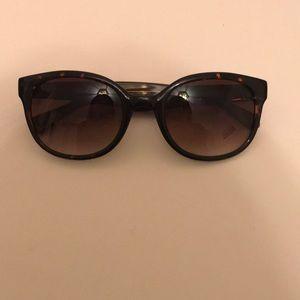 Kenneth Cole tortoise shell sunglasses